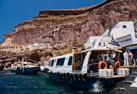 Ferries from Santorini to cruiseships