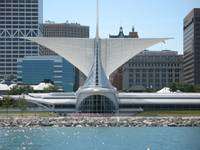 Lakefront view of the Milwaukee Art Museum
