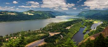 COLUMBIA RIVER GORGE PANORAMA