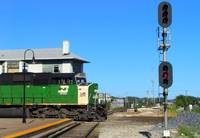 BN crosses the diamonds - Joliet, IL