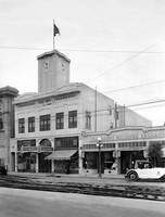Freemarket, College Ave. Oakland, California by WorldWide Archive