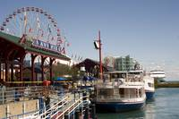 Navy Pier tour boats Chicago