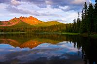 Three Fingered Jack sunset reflection in Santiam L