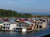 Columbia River Houseboats