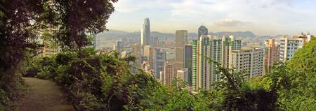 On the Central Green Trail from Victoria Peak