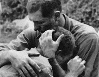Korea_soliders_ embrace_emotions