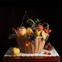 Hamper with autumnal fruits