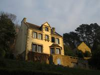 Sun on a Country House in Pont l'Aven