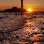 """St Marys Lighthouse"" by raypritchard"
