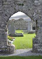 Corcomroe Abbey 1 (cropped)