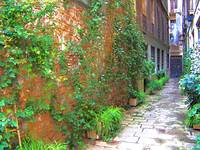 alleyway (Barcelona spain)