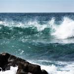 """wave form"" by hughwilliamson"