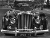 HDR Old Bentley @ West Minster Abbey