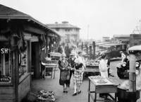 Family strolling Fisherman's Wharf, San Francisco by WorldWide Archive