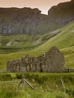 SLIGO - BENBULBEN - OLD SCHOOL HOUSE