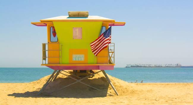 Miami Beach Florida Yellow Lifeguard House Stock Photo 145084999 ...