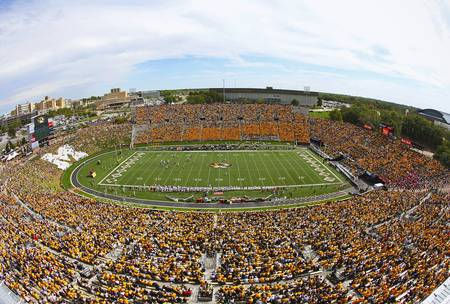 Example of Missouri stadium in perspective on angled canvas