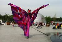 floriade stilt walker