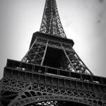 """""""La Tour - noir et blanche"""" by bekahpaige"""