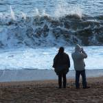 """Wave watching couple"" by photosbysammy"