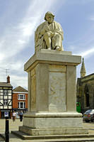 Dr Samuel Johnson Seated Statue, Lichfield (28640)