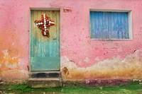 guate city pink wall wreathmorefocus