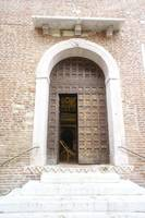 Santa Anastasia through the side door
