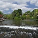 """The Riverside and Weir, Bakewell (31357-RDA)"" by rodjohnson"