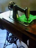 Sewing Machine With Green Cloth