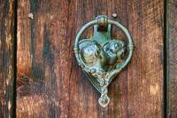 Romantic Kissing Door Knocker