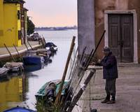 2013-08-02-Burano fisherman mending nets