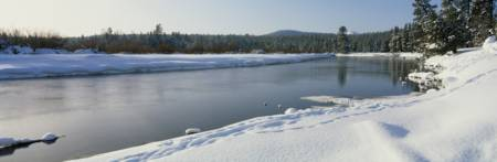 Winter Deschutes River Deschutes National Forest O