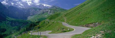 Winding Road Klausen Pass Switzerland