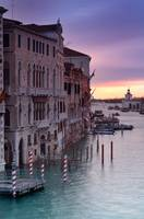 Canal Grande at sunrise - Vertical photograph