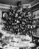 Vintage Christmas Tree Photograph (1910)