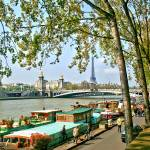"""Paris - Seine-Quai Rive Droite"" by letlet"