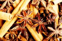 Cinnamon macro shot with clove and star anise.