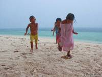 children-on-the-beach