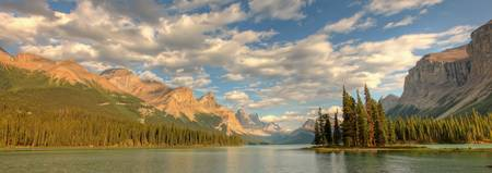 Panoramic Of Spirit Island On Maligne Lake, Jasper