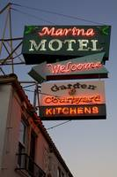 Marina Motel, Welcome