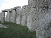 stonehenge_close_circle