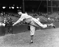 Lefty Grove pitching