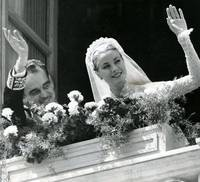 Grace Kelly waves