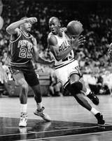 Michael Jordan driving to the basket