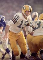 Bart Starr hands off