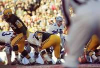 Don Meredith Calls Play From Line