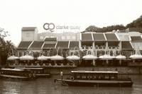City in monochrome - Singapore clarke quay