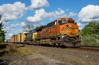BNSF 7103 On The Lead
