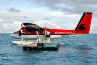 Maldivian DHC-6, 8Q-CSL, Waiting for Passengers