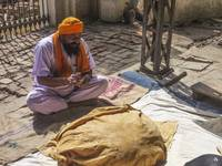 India - Making Naan at the Golden Temple